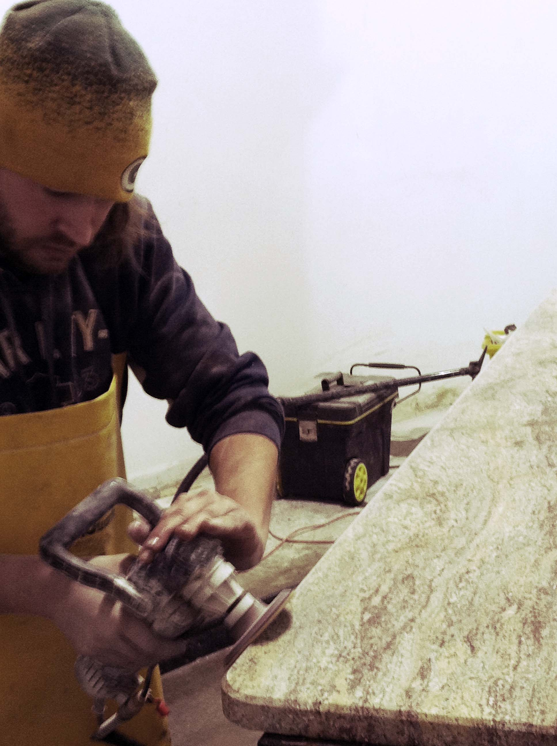 hand finishing granite countertop
